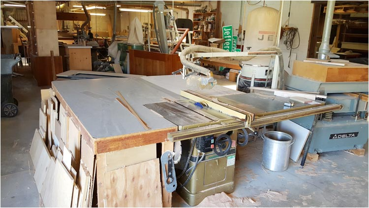 Large Board Table Saw